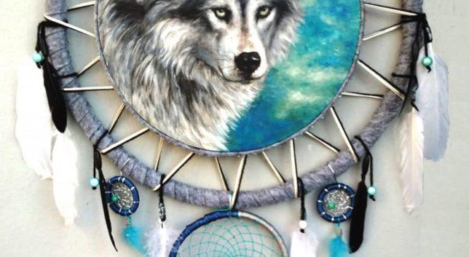 Картины с волками и скульптуры волков в Москвe